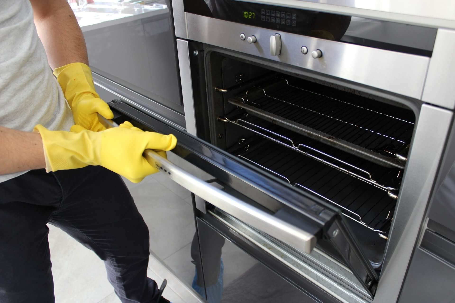 oven & lounge cleaning